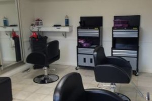 Photo #2: MURRYSVILLE VIP HAIR STUDIO. FAMILY SPECIALS!