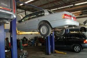 Photo #1: R&R AUTO/ CUSTOM LINE SERVICES