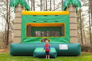 Photo #1: BOUNCE HOUSE RENTAL - SPECIAL PRICING - $150.00 for 4 Hour!