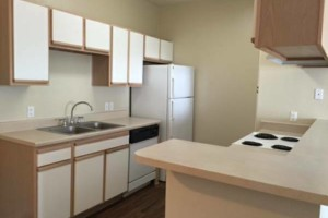 Photo #8: MOVING OUT/ IN? CALL PURITY SHINE CLEANING SERVICE...