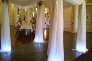 Photo #4: WEDDING VENUE, CATERING AND DECOR