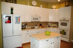 Photo #2: Kitchen Cabinets Refacing (Stuart)