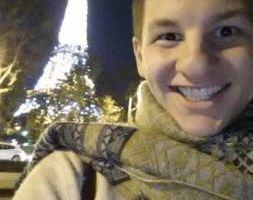 Photo #1: French Tutor. Permettez-moi de vous aider!