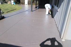 Photo #5: PROFESSIONAL PAINTERS - drywall repairs, pressure washing, mudding & taping
