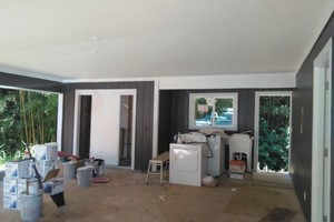 Photo #8: PROFESSIONAL PAINTERS - drywall repairs, pressure washing, mudding & taping