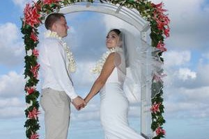 Photo #10: PHOTOGRAPHER available! (Weddings, Engagements, Family, Events, Beach) Best Hawaii