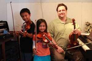 Photo #16: ELECTONE, VIOLIN, VIOLA, PIANO, GUITAR, VOICE AND UKULELE LESSONS