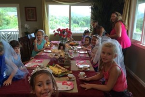 Photo #1: PRINCESS PARTIES. CHILDRENS HAIR, NAILS, AND MAKEUP