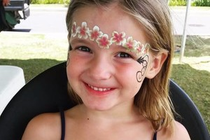 Photo #3: AWESOME FACE PAINT, henna, glitter tattoos!