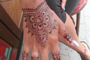 Photo #2: New Henna Shop in Kahului! Queen Ka'ahumanu Center