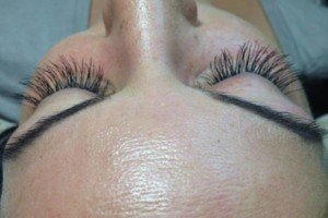 Photo #4: Individual extension lashes - full set $50/ fill $25