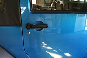 Photo #1: Vehicle Visionz. EXTREME CLEAN.....$60 Interior/Exterior