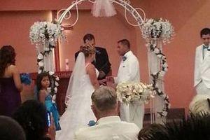 Photo #2: Wedding Planner Pamela (+event catering)