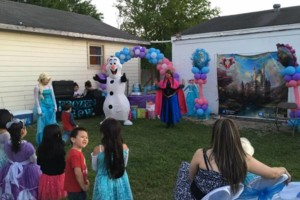 Photo #4: Mascots, shows for kids, face painting, concession machines...