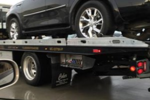 Photo #1: Local and Nationwide Towing & Auto Transport