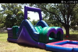 Photo #5: Arely's Moon bounce
