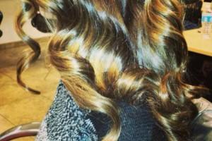 Photo #4: BRENDAS'HAIR MAJESTY STUDIO. HIGHLITES STARTING AT 45.00