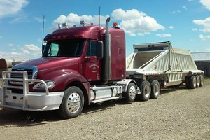 Photo #1: Hauling for hire! Diamond S Cattle Co