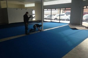 Photo #1: Flooring Installer - carpet repairs/re-stretches