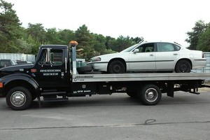 Photo #1: Johnnie Mustang Towing