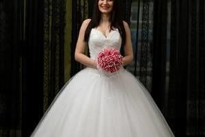 Photo #2: Best Wedding Photographer/Videographer. Giovanni The Photographer