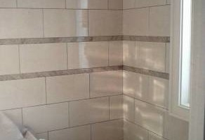 Photo #20: Crescent tile - full bath and kitchen renovation