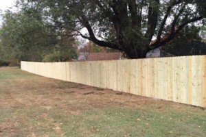 Photo #2: B&C SERVICES - WOOD AND CHAIN LINK FENCING