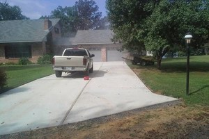 Photo #4: Concrete Cement Driveways, slabs, sidewalks, new/ crack repair