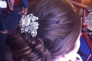 Photo #4: Wedding Hairstylist - I Come to You!