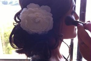 Photo #3: Wedding Hairstylist - I Come to You!