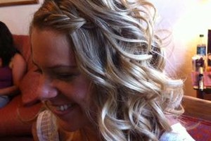 Photo #2: Wedding Hairstylist - I Come to You!
