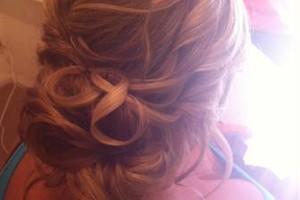 Photo #1: Wedding Hairstylist - I Come to You!