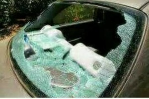 Photo #1: ECONO AUTO GLASS n' WINDSHILED - We come to You!