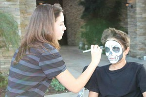 Photo #16: Amy Party Popper's. Extreme face painting & balloon twisting parties