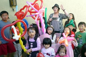 Photo #15: Amy Party Popper's. Extreme face painting & balloon twisting parties