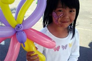 Photo #12: Amy Party Popper's. Extreme face painting & balloon twisting parties