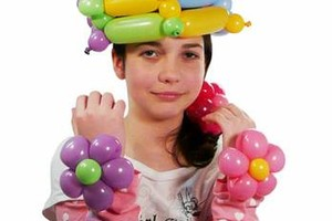 Photo #10: Amy Party Popper's. Extreme face painting & balloon twisting parties