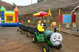 Photo #1: SPECIAL OFFER! BUNGEE TRAMPOLINE, TRACKLESS TRAIN, JUMPERS FOR RENT