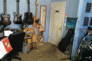 Photo #1: Guitar/Bass/Recording Lessons! $30/90min, $20/45min. $10 off first