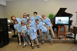 Photo #1: PIANO LESSONS!!! All levels - beginner to advanced
