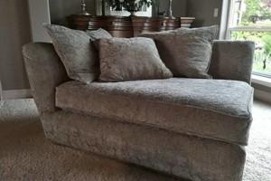 Photo #1: Freelance Upholsterer/Seamstress