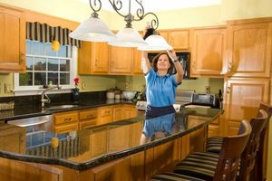 Photo #1: R.HERNANDEZ HOUSE CLEANING SERVICES