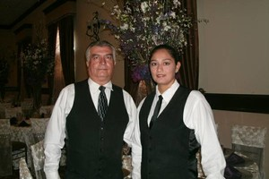 Photo #2: MESEROS Profesionales / Waiters. Smile Catering