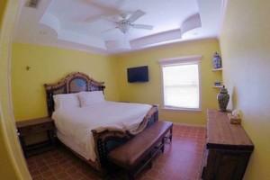 Photo #10: RANCHO Tres Marias for rent!