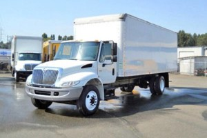 Photo #1: 24 ft box truck bobtail with lift gate.  Hotshot Hot shot Delivery