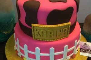 Photo #10: CREATIVE CAKES