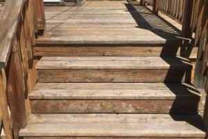 Photo #10: King of Stain - Fence / Deck Staining