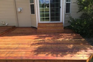 Photo #1: King of Stain - Fence / Deck Staining