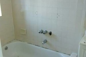 Photo #1: All surface bathtub reglazing