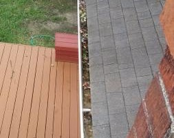Photo #7: Gutter Clean-Out/ Debris Removal